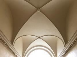Greenway-Agatha-Christie-main-staircase-int-redec-19